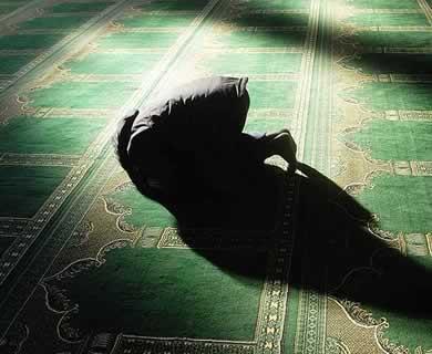 sujud-shalat-di-masjid
